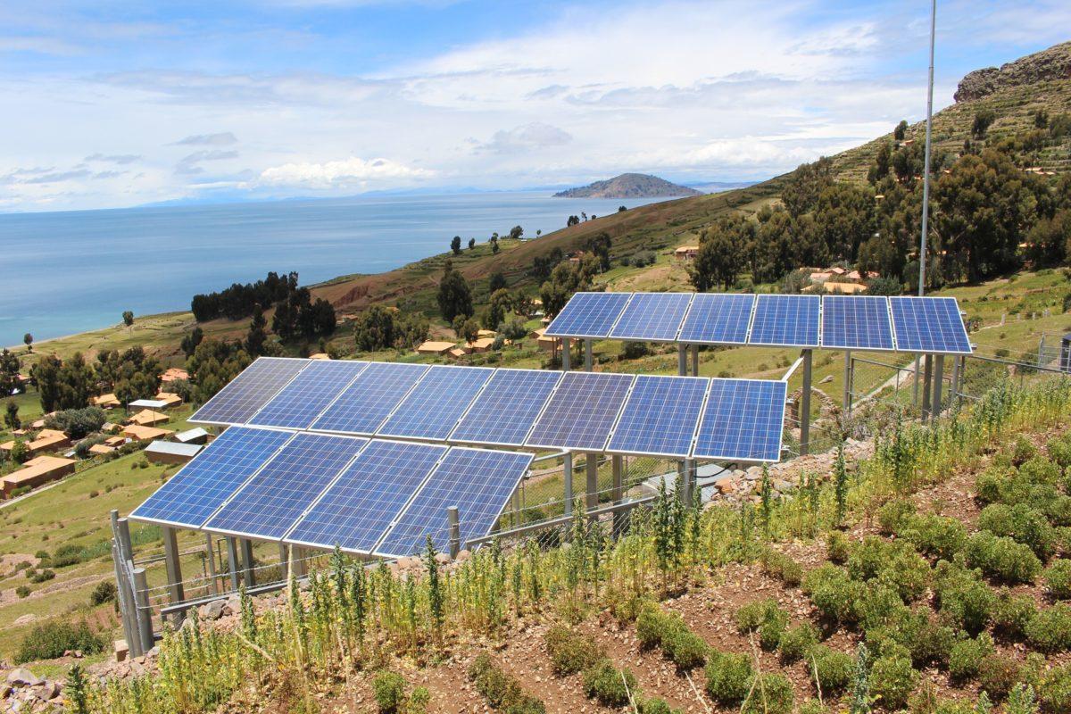 luminarias solares en los cultivos