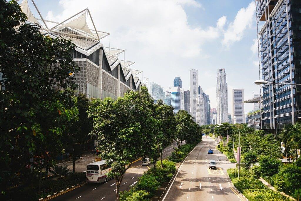 luminarias solares para reducir la contaminación en ciudades