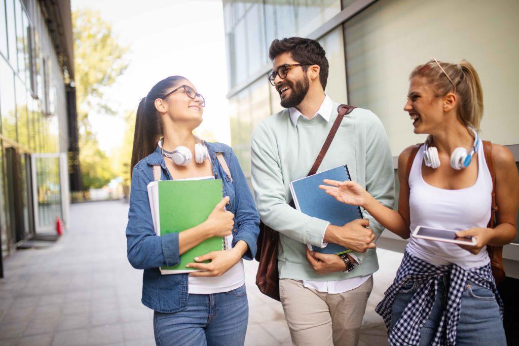 luminarias solares para universidades