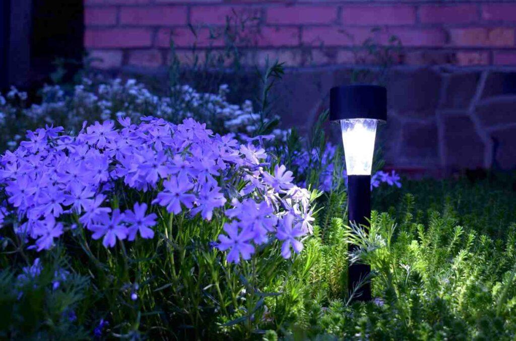 beneficios-lamparas-solares-exteriores
